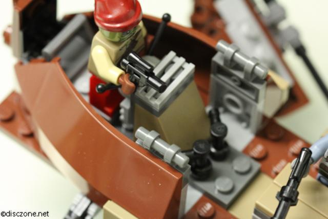 9496 Desert Skiff - Pilot Cockpit