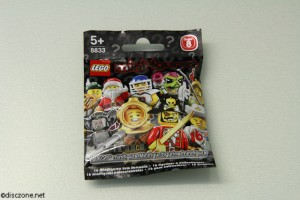 8833 Minifigures Series 8 - Pack Front