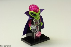 8833 Minifigures Series 8 - Alien Villainess