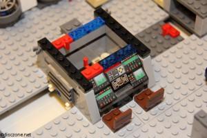 7965 Millennium Falcon - Central Console 1