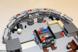 7965 Millennium Falcon - Interior