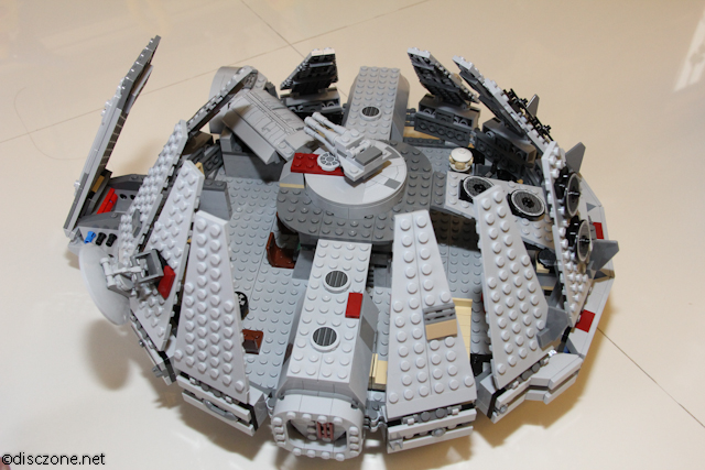 7965 Millennium Falcon - Top Opening Up