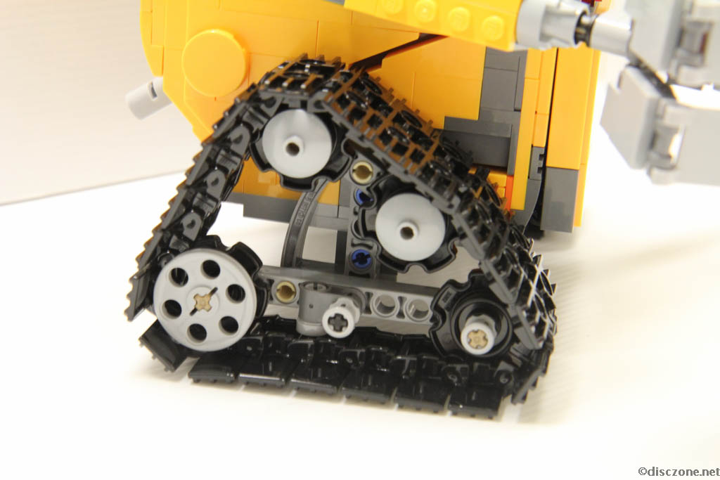 Lego Ideas 21303 Wall-E - Completed Tracks