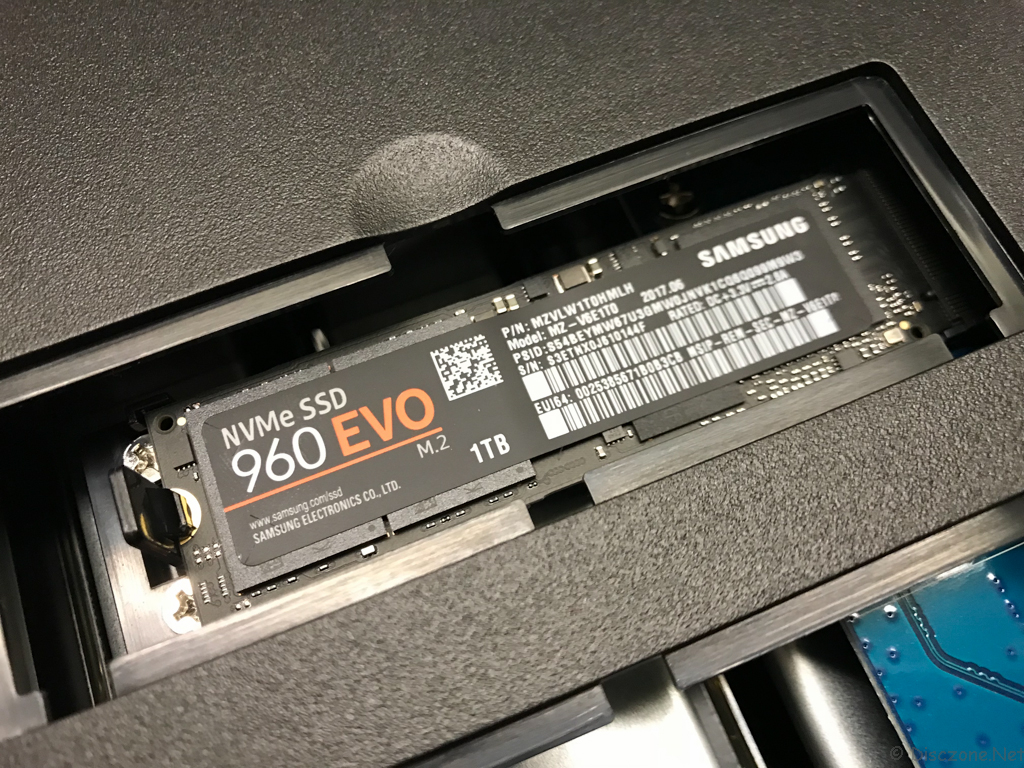 DS918 Review - Samsung NVMe SSD Installation