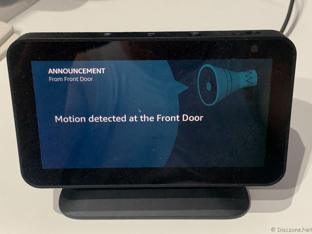 Ring Peephole Cam - Announcement on Echo Show 5